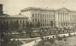 Головний корпус ДГІ. 1935 р.jpg